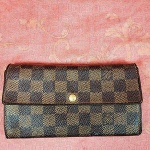Authentic Louis Vuitton Damier Sarah Long Wallet
